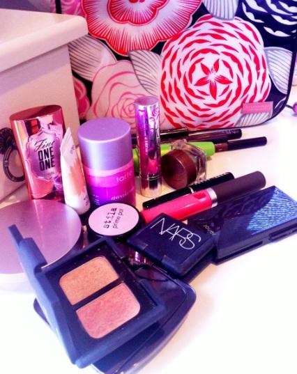 Vacation-Makeup-Bag